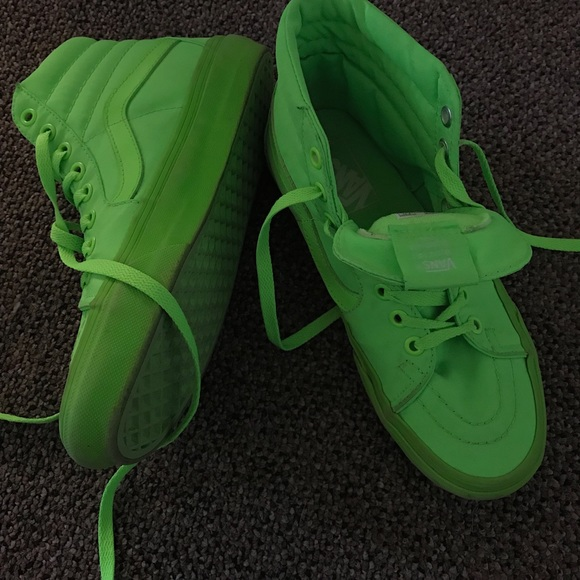 1cdcbb570e Neon green sk8 hi Vans. M 5a9da85e3800c50ce38bfc6c